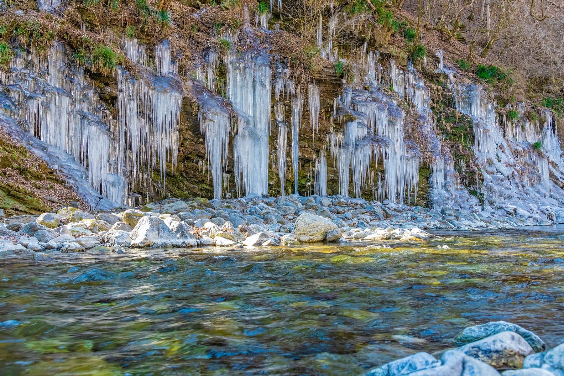 三十槌の氷柱【三十槌荒川河川敷|秩父市】